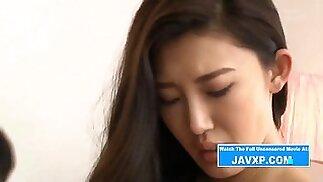 جميلة اليابانية في سن المراهقة العذراء الساخنة