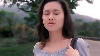 غريب والساخنة فاتنة الآسيوية في فيلم جنسي المثيرة
