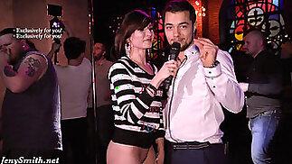 جيني سميث يذهب عارية في حزب الجنس