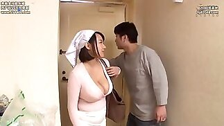 Fucks huge tits' wife in the kitchen