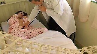 القبض على طبيب ياباني على الكاميرا في حين سخيف مريض